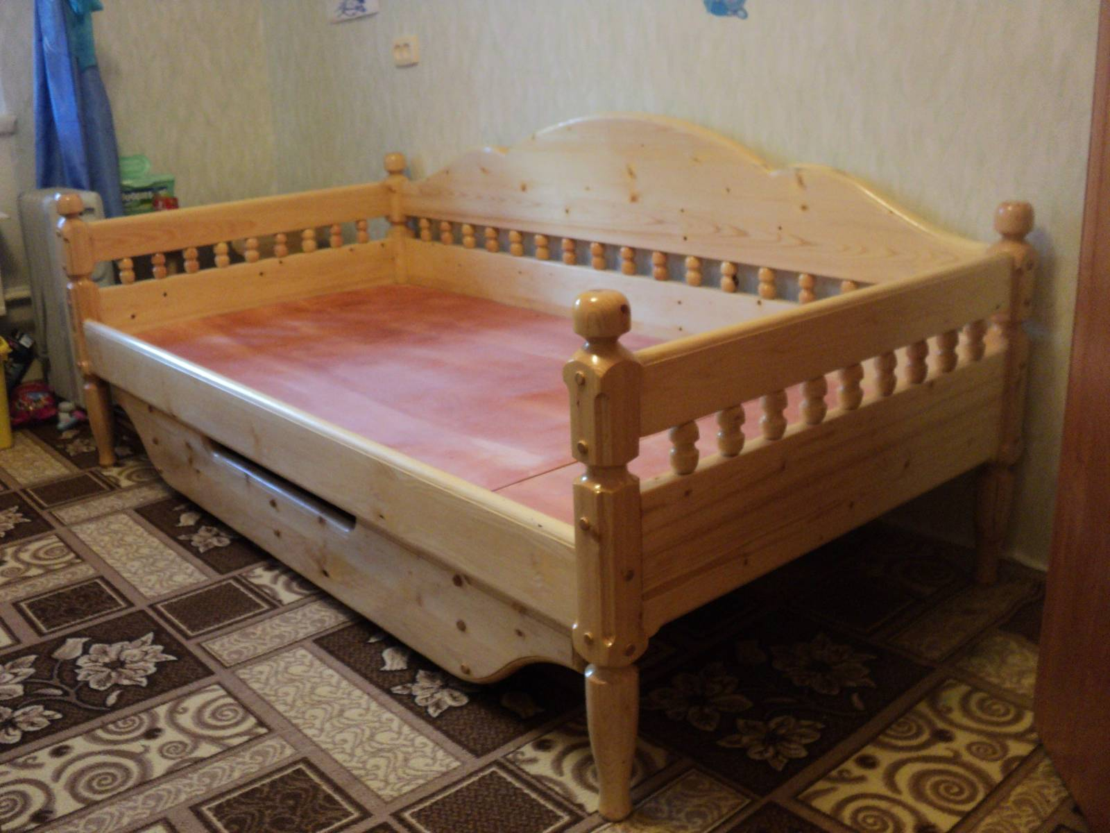 Односпальной кровати своими руками фото